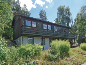 Three-Bedroom Holiday Home in Bygland