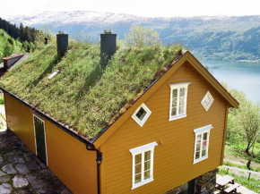 Three-Bedroom Holiday home in Nordfjordeid 3