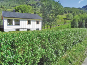 Three-Bedroom Holiday Home in Dirdal